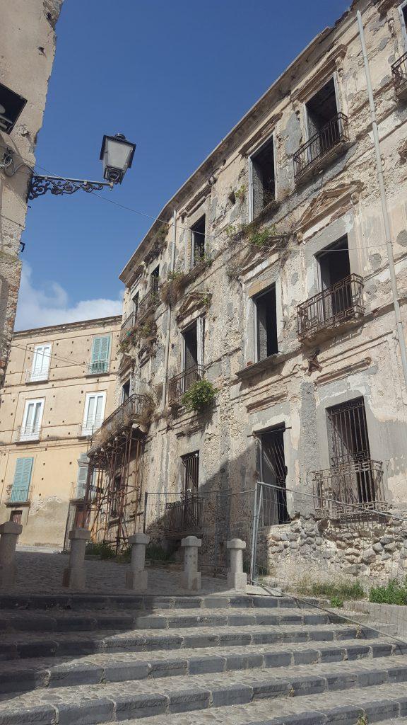 tropea, palazzo, kalabrien, bellaamoremio, autorenblog, italienblog, denkmalschutz