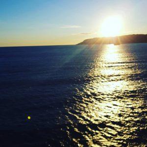 sundowner, sonnenuntergang, romantik, romance, kreuzfahrtschiff, kreuzfahrt, cruisedreams, abendstimmung_am_schiff, bellaamoremio,