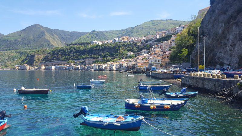 hafen_von_scilla, hafen_von_chianalea, kalabrien, fischerboote, fischerdorf, italienblog,