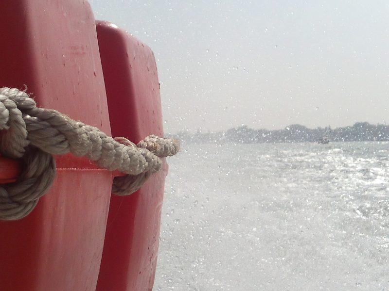 schwimmweste, markusbecken, venedig, vaporettofahrt, italienblog,
