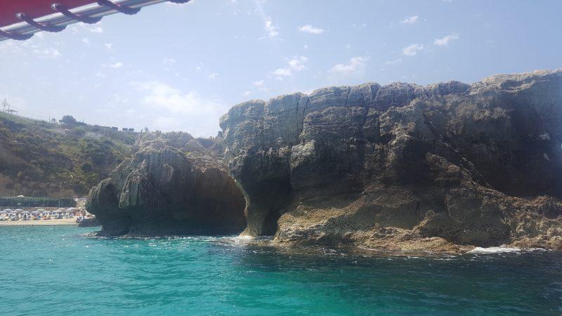 grotte, hoehle, calabrien, tropea, kueste, felsformation, italienurlaub, urlaub_in_kalabrien, italienblog, bellaamoremio,