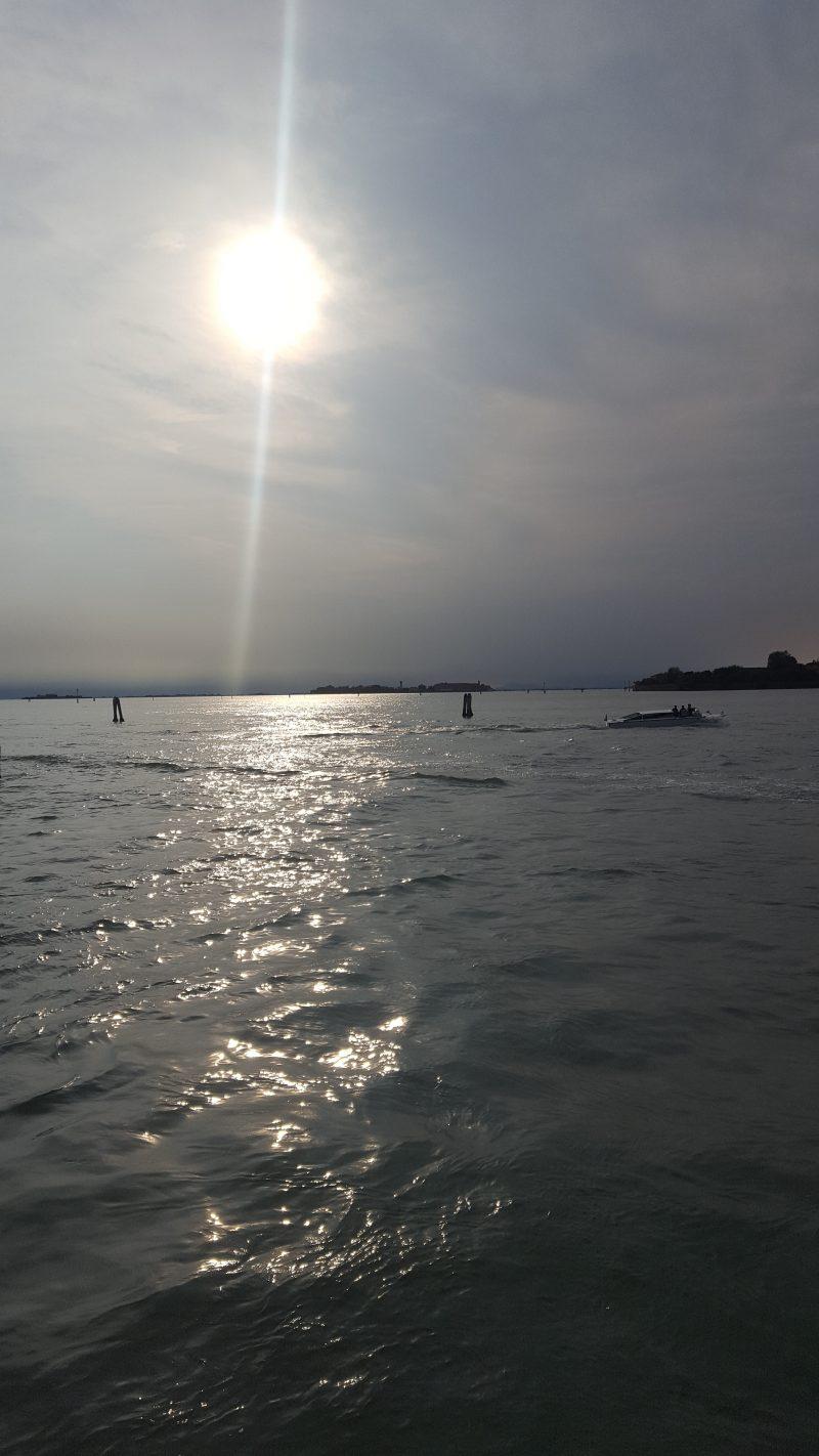sonnenuntergang_venedig, lido, sundown_in_venice, romance, serenissima, lagune, markusbecken, venezia, mare, italienblog, autorin-im-corona-wahnsinn, bellaamoremio, autorenblog, manuela_tengler