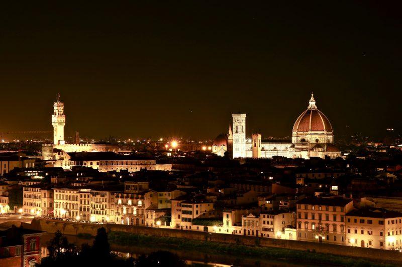 florence_by_night, Florenz_bei_nacht, florenz, buchtipp, diemusevonflorenz, die_muse_von_florenz, Manuela_terzi,